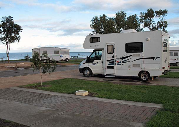 Set up at the immaculate Edithburg Caravan Park.  This was a lovely area, with cool breezes off Gulf St. Vincent.