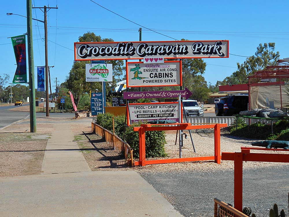 My home away from home while I was in Lightning Ridge...Crocodile Caravan Park.